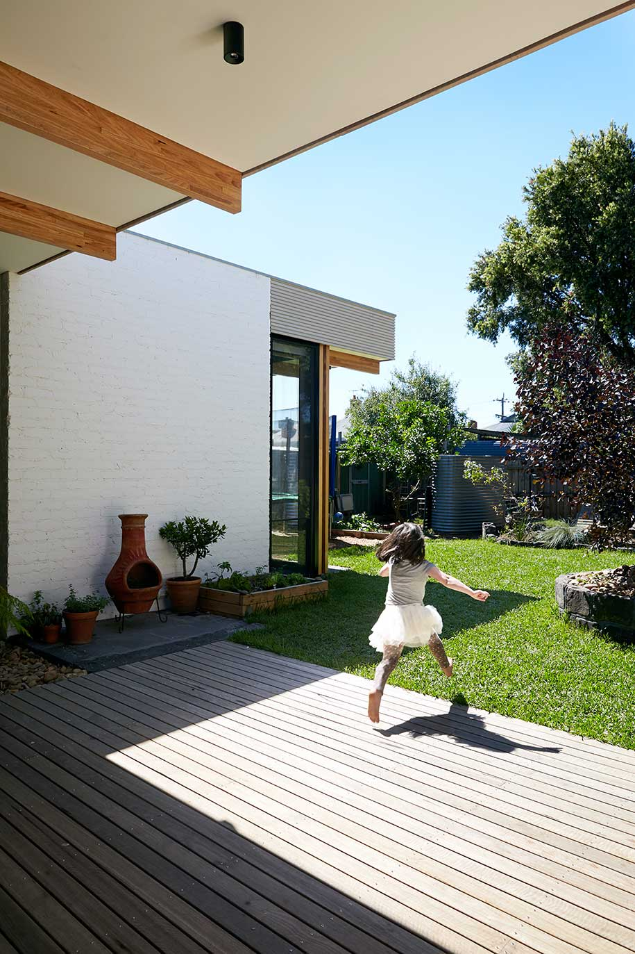 Ballantyne Foomann Architects deck