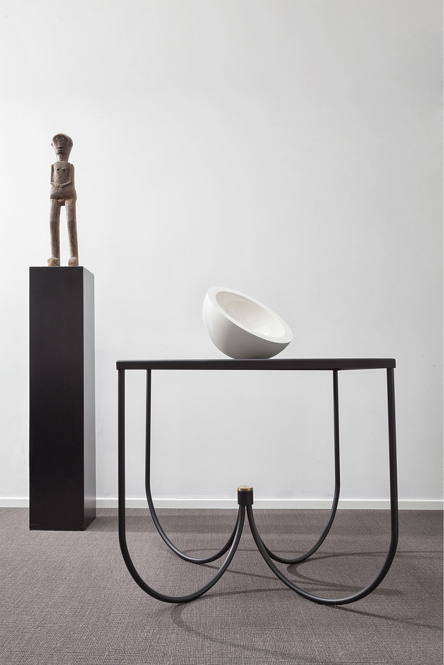 CENTRO-table_design-by-Omri-Revesz-+-Damian-Tatangelo