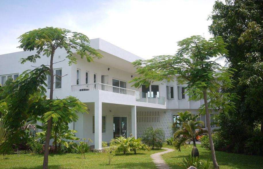 Cambodias-Ghost-Villas-9-habitusliving