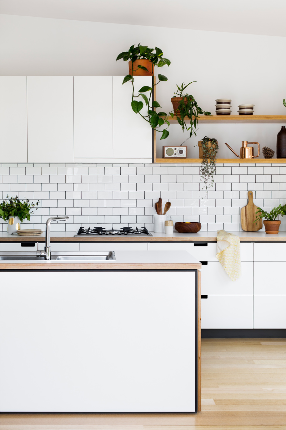Cantilever_Kitchen-3_003