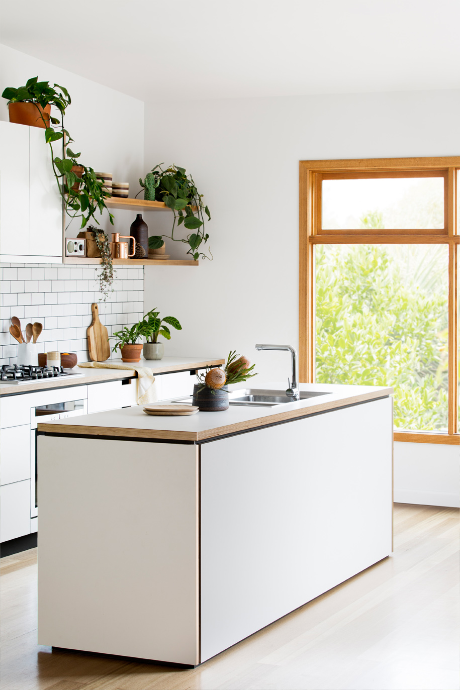 Cantilever_Kitchen-3_005