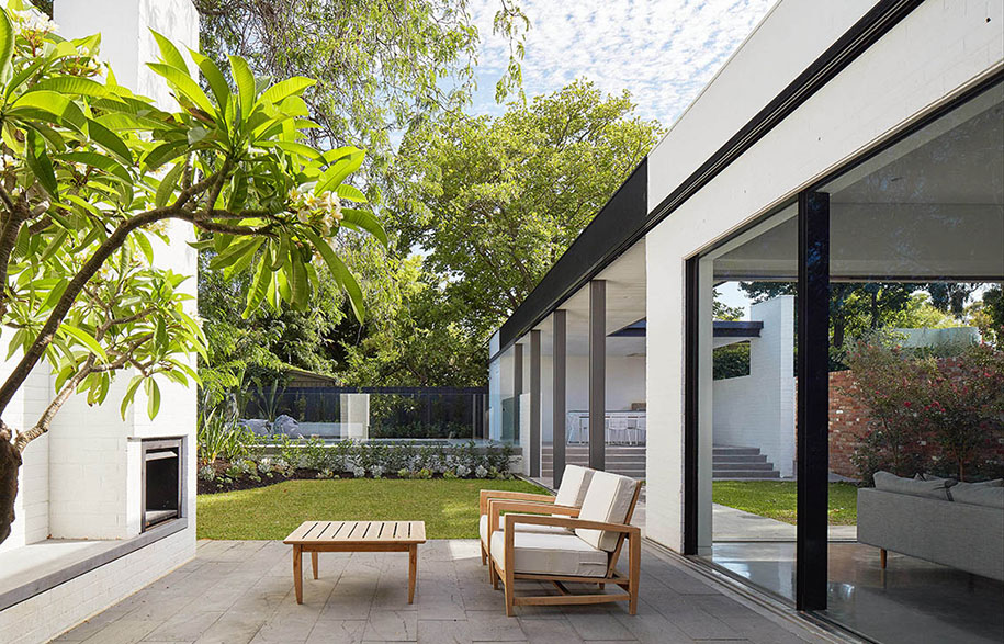 David-Barr-Architect-Claremont-Residence_Photo-Robert-Frith2