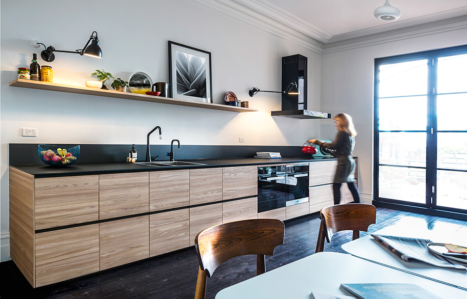 Design-by-Rogerseller-and-Sarah-Trotter---Hearth-Studio_Photography-by-Ross-Tonkin