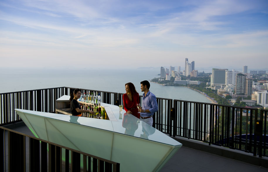 Hilton-Pattaya_Horizon_Bar-19