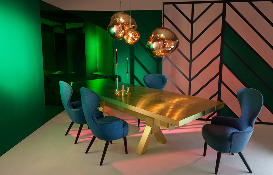 Mass-Dining-Table