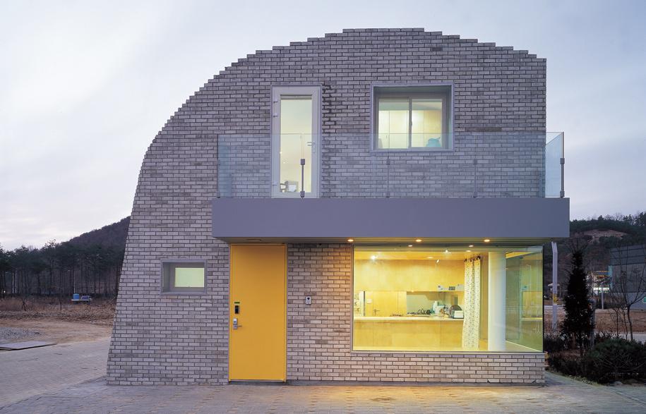 6 Homes That Embrace Brick